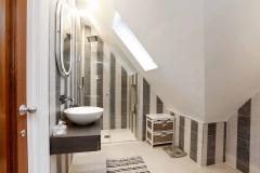 The Gables - en suite bathroom