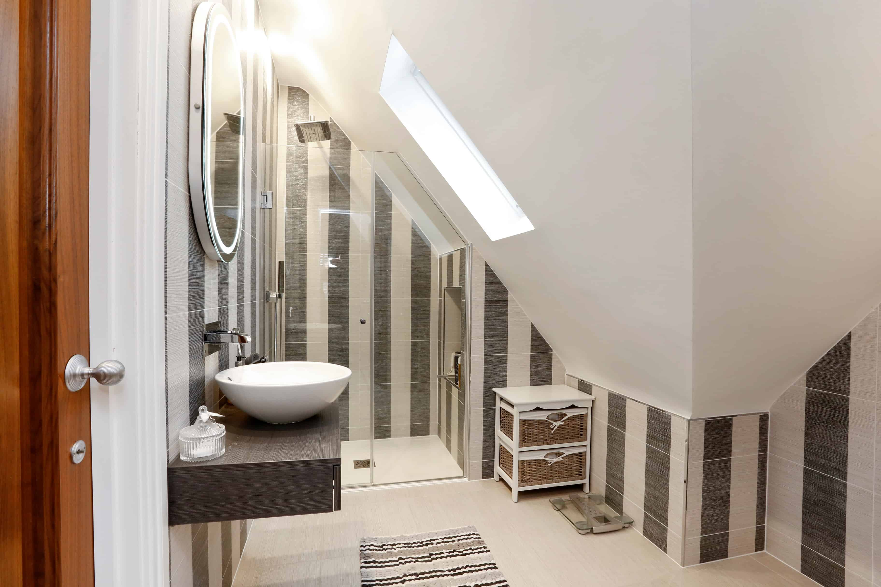The Gables - en suite bathroom